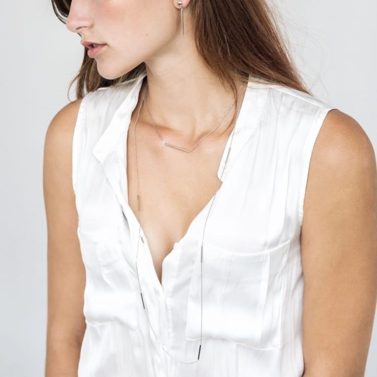 Ilgas sidabrinis minimalistinis vėrinys