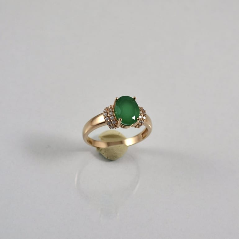 Rose gold ring with green onyx