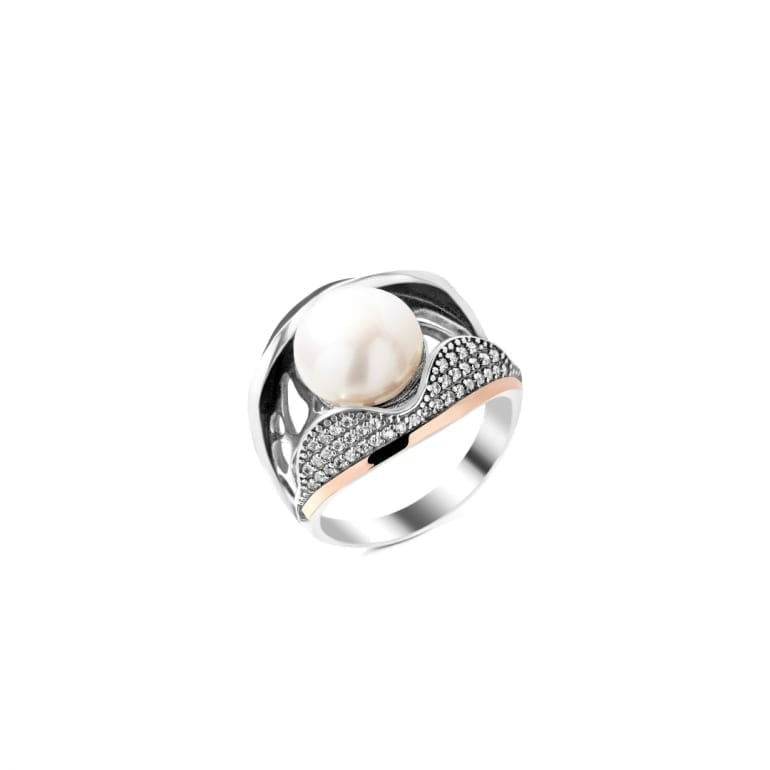 Sterling silver ring with 9ct gold plate and white cultivated pearl