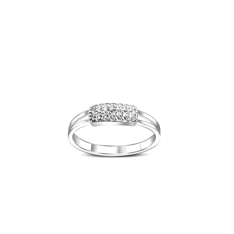 9ct white gold ring with cubic zirconia