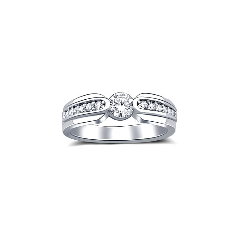 White gold ring with cubic zirconia