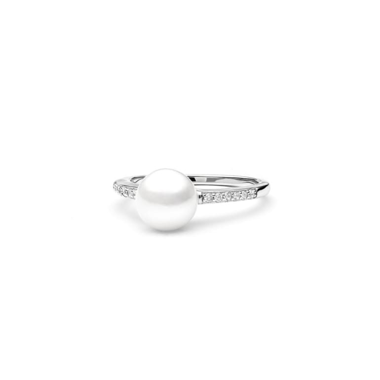 Sterling silver ring with cultivated pearl and cubic zirconia