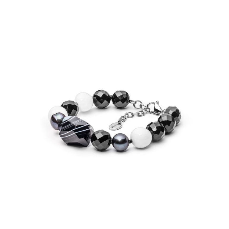 Bracelet with onyx, agate and mother of pearls