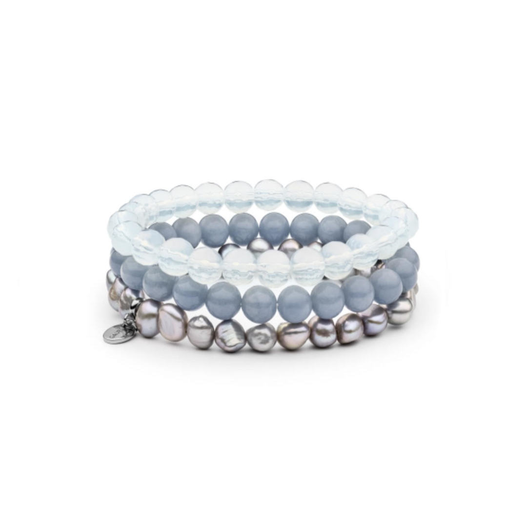 Bracelet with cultivated pearls, angelite and opal